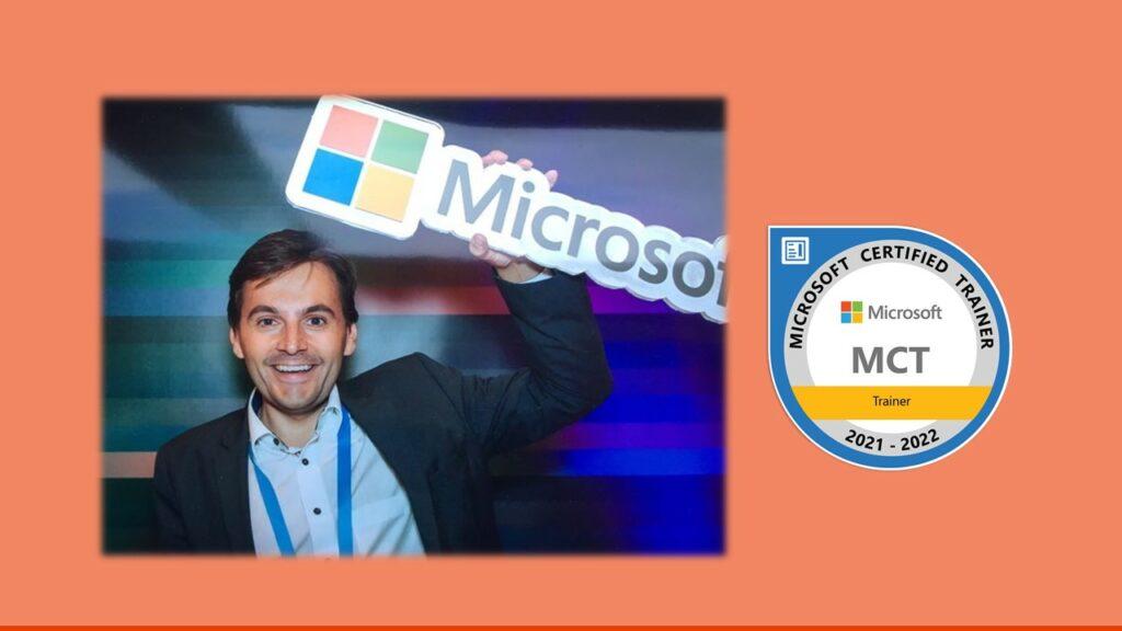 Thomas Maier mit dem neuesten Logo des MCT-Programms von Microsoft.